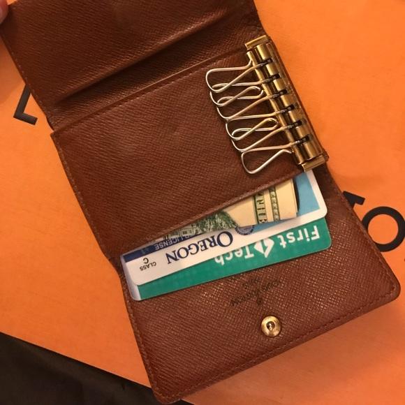 fd8072507f8b Louis Vuitton Accessories - EUC Mono Louis Vuitton Multicles 6 Key Holder  Case